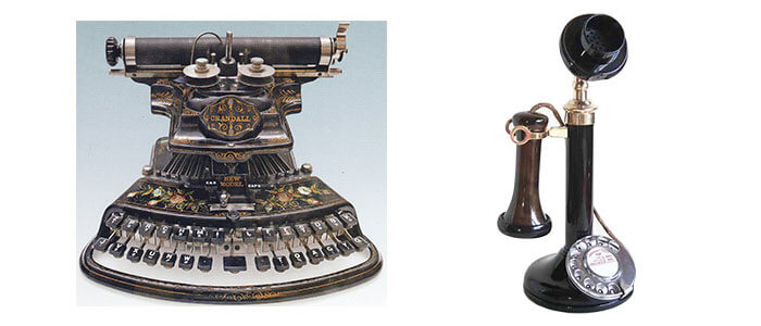 Antique-typewriter-and-telephone